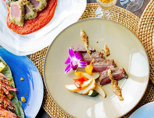 【フルコースディナー6500円】サーモンのロミロミやガーリックシュリンプなど贅沢ハワイアンメニュー全6皿の画像