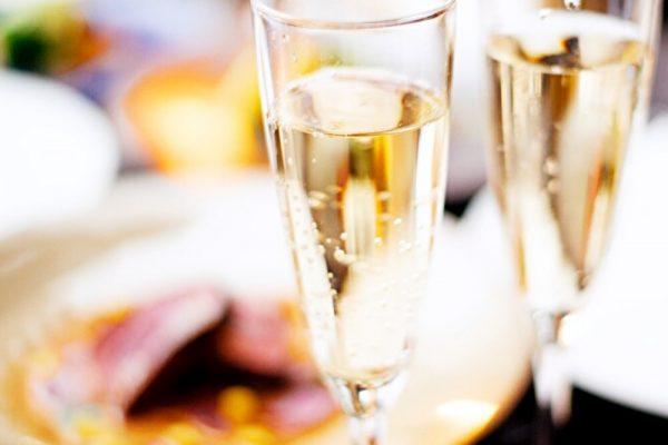 【乾杯酒&食後のカフェ付★アニバーサリーディナー】記念日・誕生日のお祝いに!肉料理&魚料理のWメインなどハワイアンフルコース7皿の画像